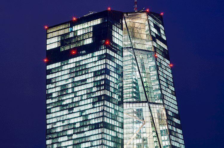 أحدث المعلومات عن التضخم الأساسي تشير إلى ارتفاع، وزوج يورو/دولار EUR/USD يهاجم منطقة 1.10