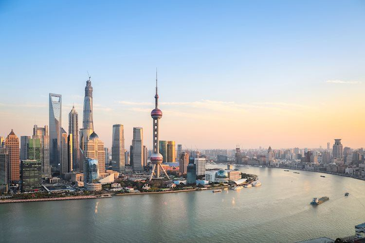 shanghai at dusk 41696640 Large - الإفادة بأن علماء المملكة المتحدة قد حققوا طفرة كبيرة في سباق لقاح فيروس كورونا