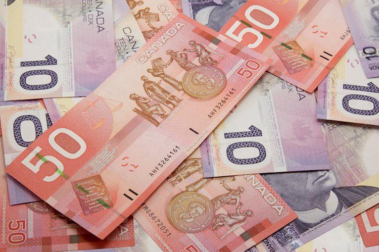 canadian money 2670959 Large - وصل زوج العملات دولار أمريكي/دولار كندي USD/CAD إلى أعلى مستوياته في شهرين فوق 1.3300